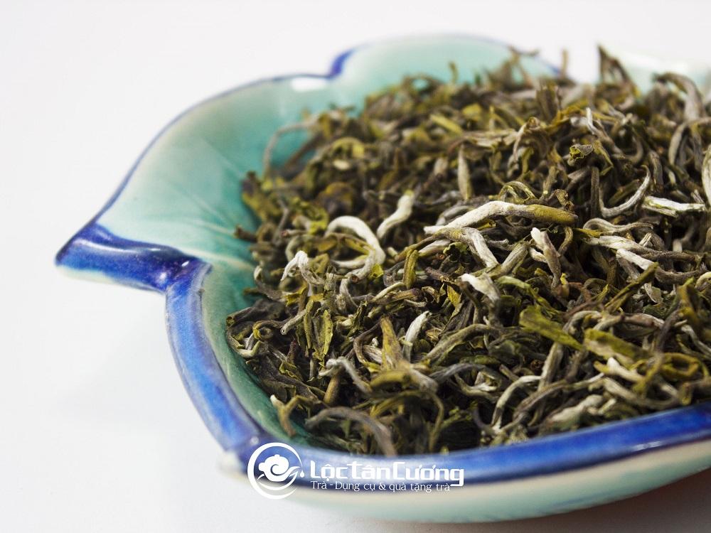 Trà Tà Xùa ( hay trà Shan Tuyết) là một trong những đặc sản nổi tiếng của vùng núi cao Tây Bắc Việt Nam.