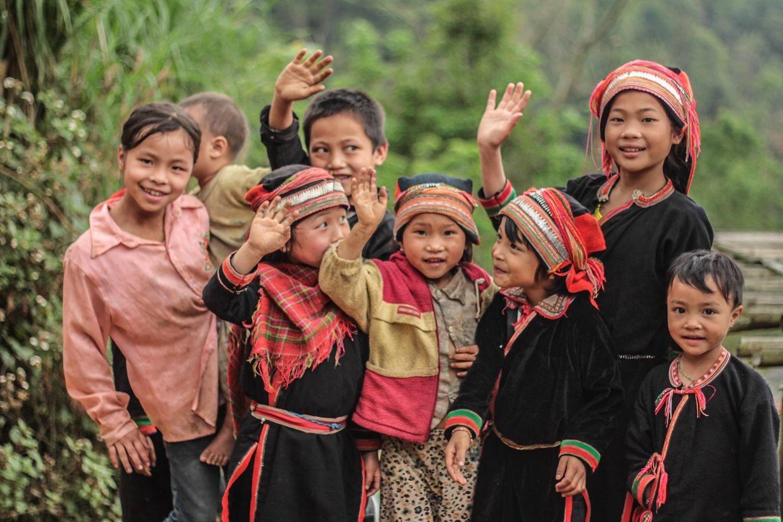 Trà shan tuyết tà xùa đi vào trong các bài hát của trẻ em dân tộc Mường