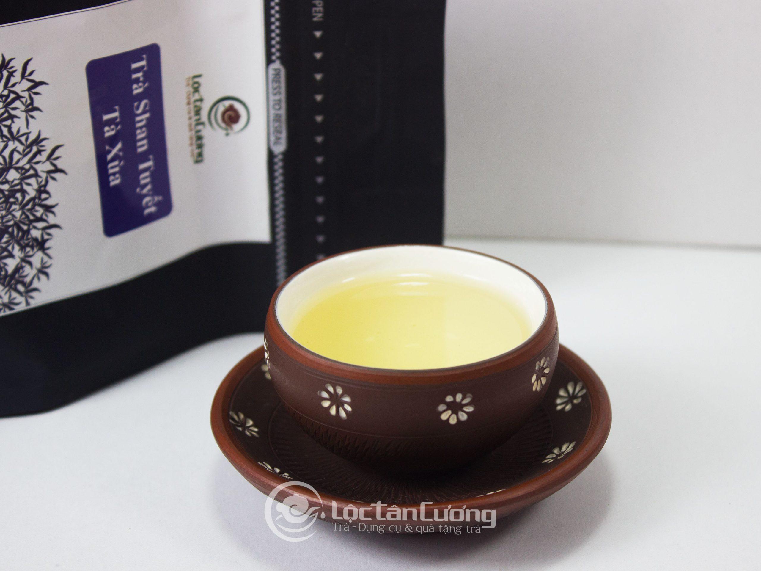 Trà shan tuyết cổ thụ tà xùa vào màu xuân và màu thu đều có hương vị thơm ngon, đậm đà